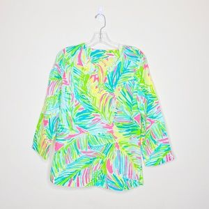 🌵 Lilly Pulitzer V Neck Top 3/4 Length Sleeves